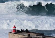 Surfista brasileño Rodrigo Koxa al libro Guinness