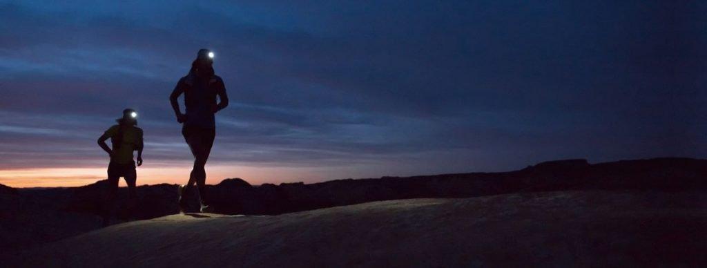 Recomendaciones para correr de noche por la montaña