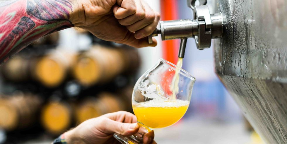 Cervezas con electrolitos o bebidas deportivas