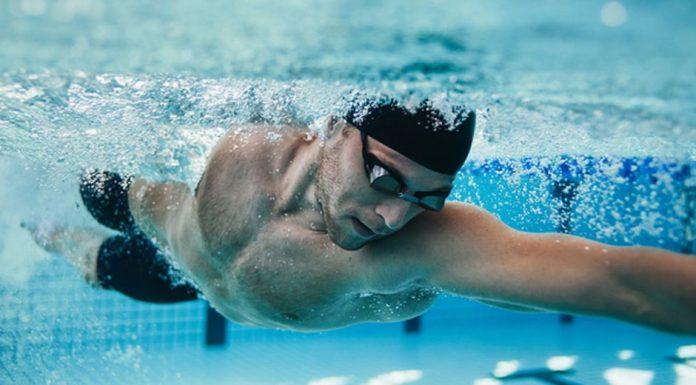 Por qué nadar te ayudará a correr más rápido