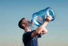 Hiponatremia-riesgo-ingerir-demasiada-agua