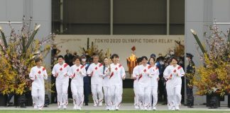 Relevo de la antorcha olímpica para los JJOO de Tokio se reanudó