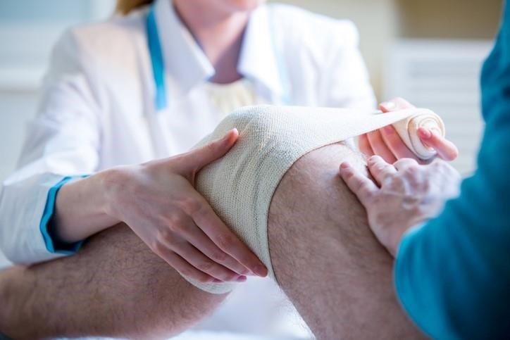 Cuidado con un esguince de rodilla
