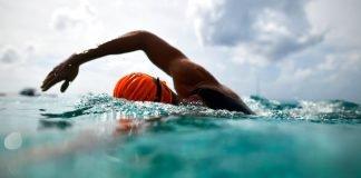 Cada nadador tiene sus trucos para superar los momentos de flaqueza en una competencia de aguas abiertas