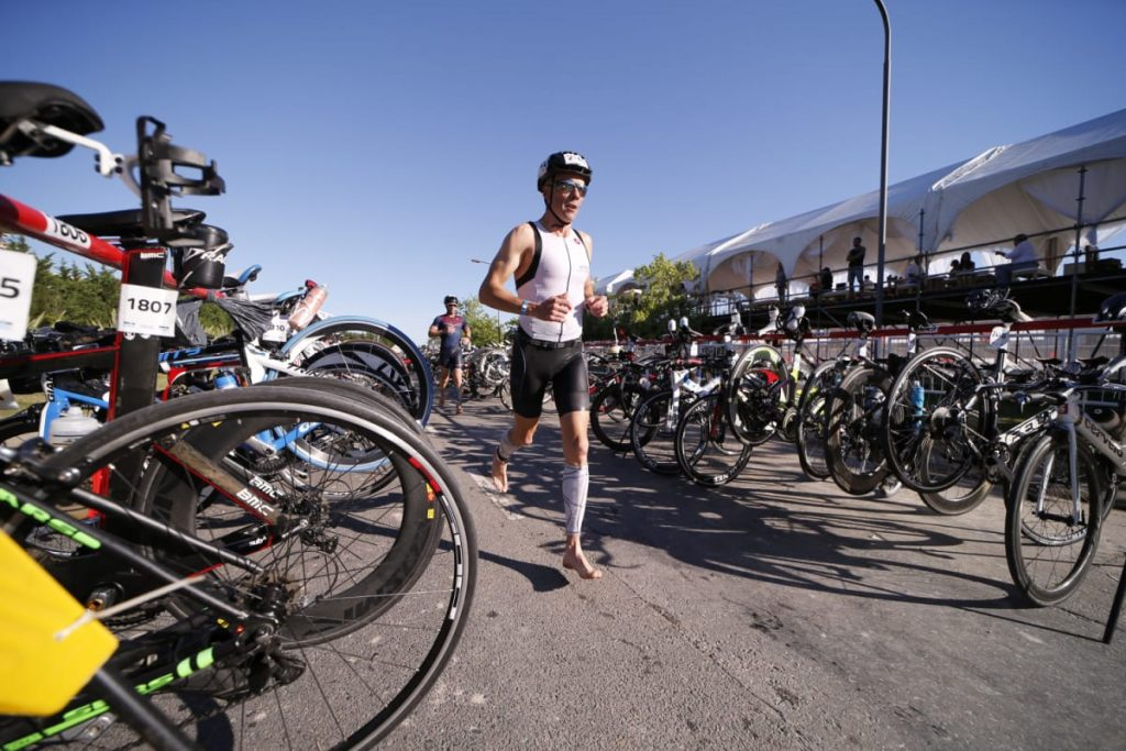 Ironman ofrece la opción única de decidir por sí mismo si los atletas nadarán en las carreras o no. Bike and Run