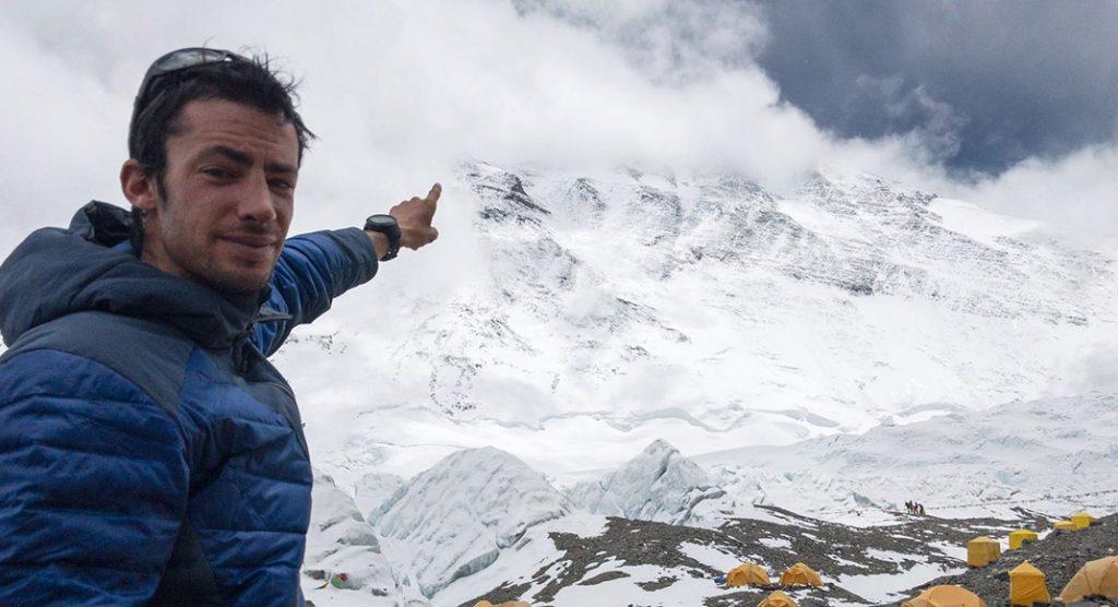 Kilian Jornet podría subir al Everest por su cara más difícil
